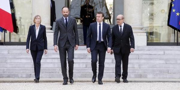 法国突然表明立场站队美国,已触及我国底线,专家:或将重蹈覆辙