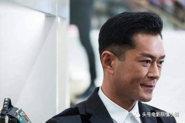 和古天乐拯救香港电影?甄子丹签约大佬时已42岁,圈内人曾看笑话