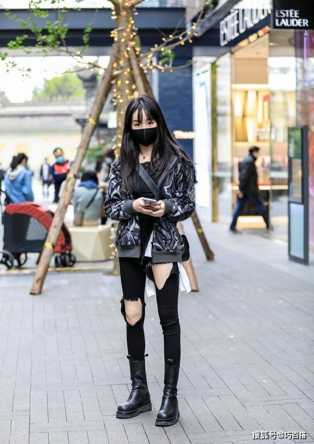 炎天还想穿小黑裤怎么办?那就要学会这样搭,制止繁琐撞衫和土气