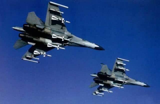 陈光文:B-1轰炸机频繁挑衅怎么办?歼-11B可伴飞还必须有这个战术动作