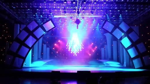 舞台灯光效果机械设备使用技巧
