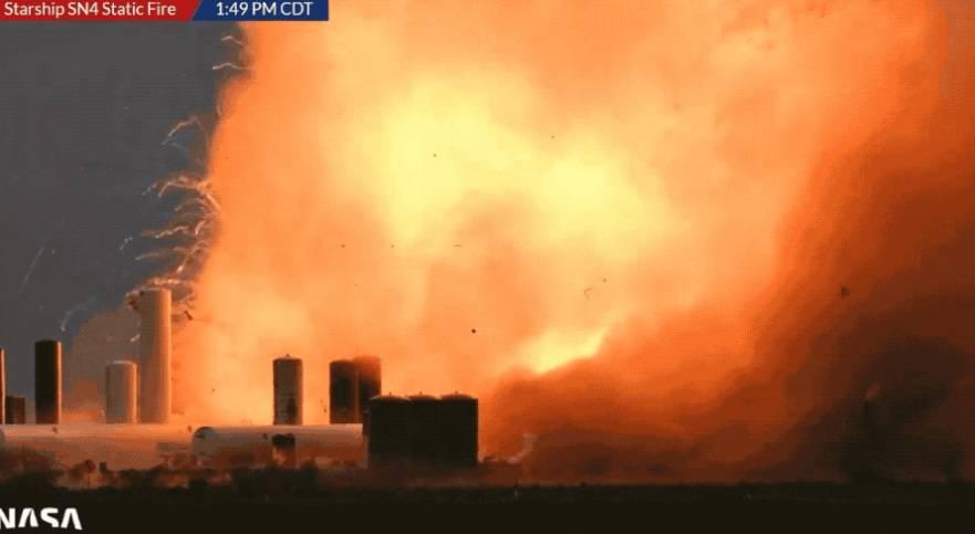 【载人飞行前,SpaceX星际飞船原型测试后发生爆炸】