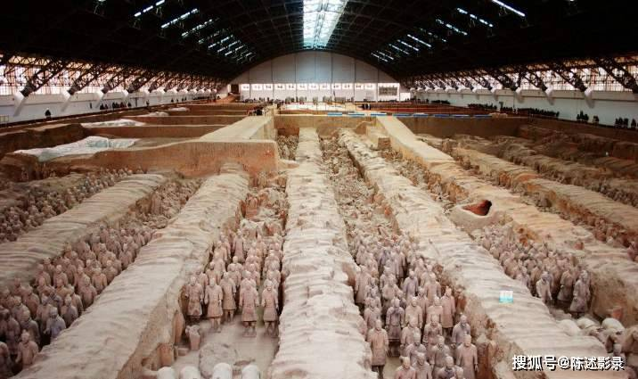 秦朝兵马俑坑居然被大火烧过?神奇的秦始皇陵墓还藏着什么秘密?