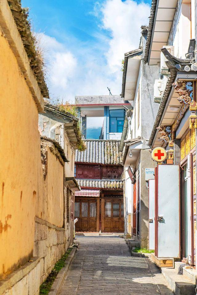 別再去麗江古鎮了,這個古鎮才是雲南文化的發源地,古時曾是都城