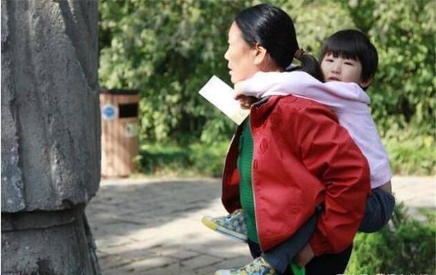 孩子交给婆婆带,聪明的妈妈选择这样做,婆婆每天笑哈哈