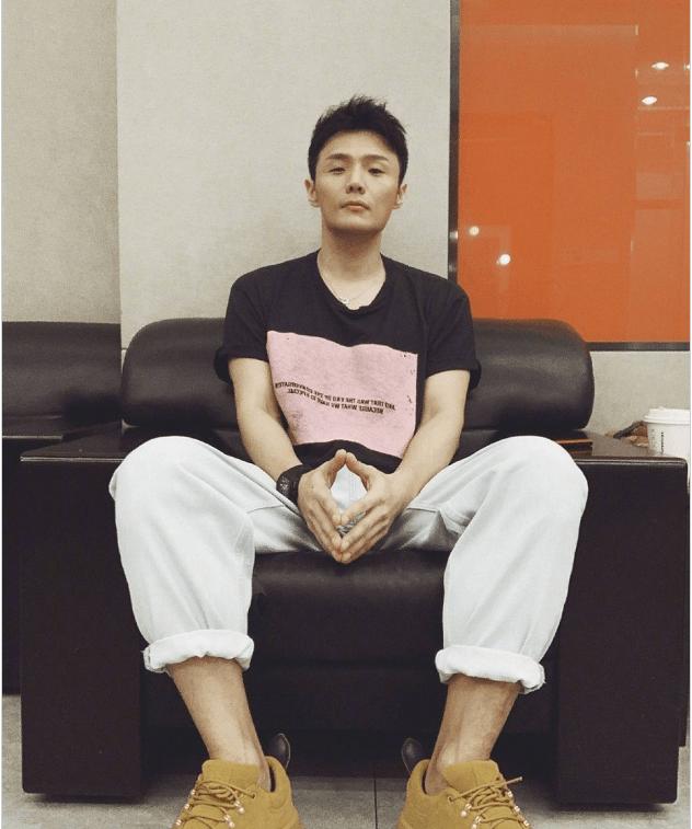 太甜了!李荣浩发布新歌《在一起嘛好不好》