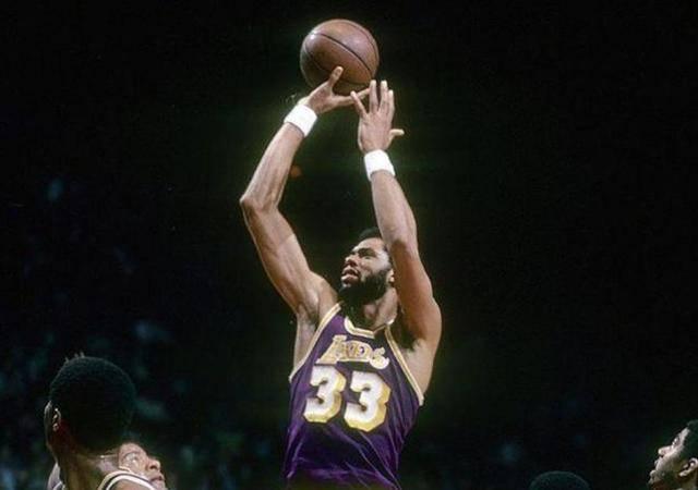 翻遍NBA历史仅3大神,乔丹不服不行