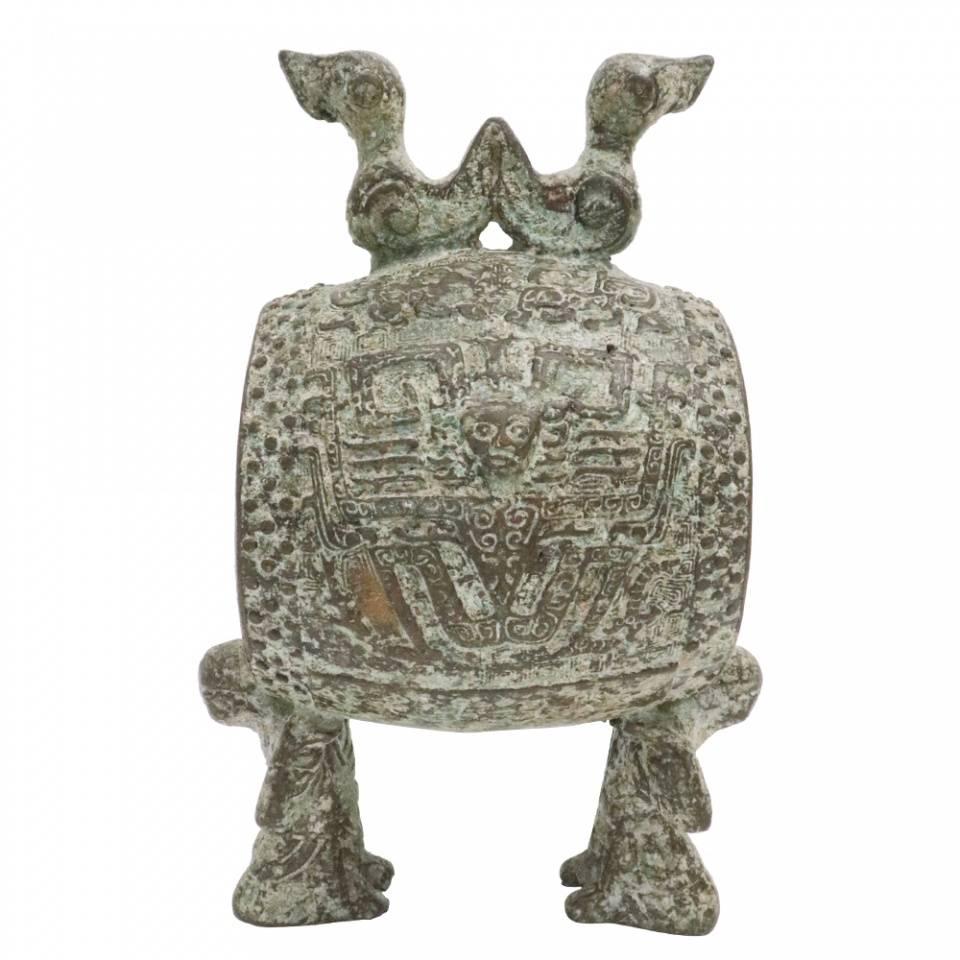 """""""北鼎南鼓""""跪着两只鸟铜鼓,只有一只?它非常珍贵。 青铜苗鼓"""