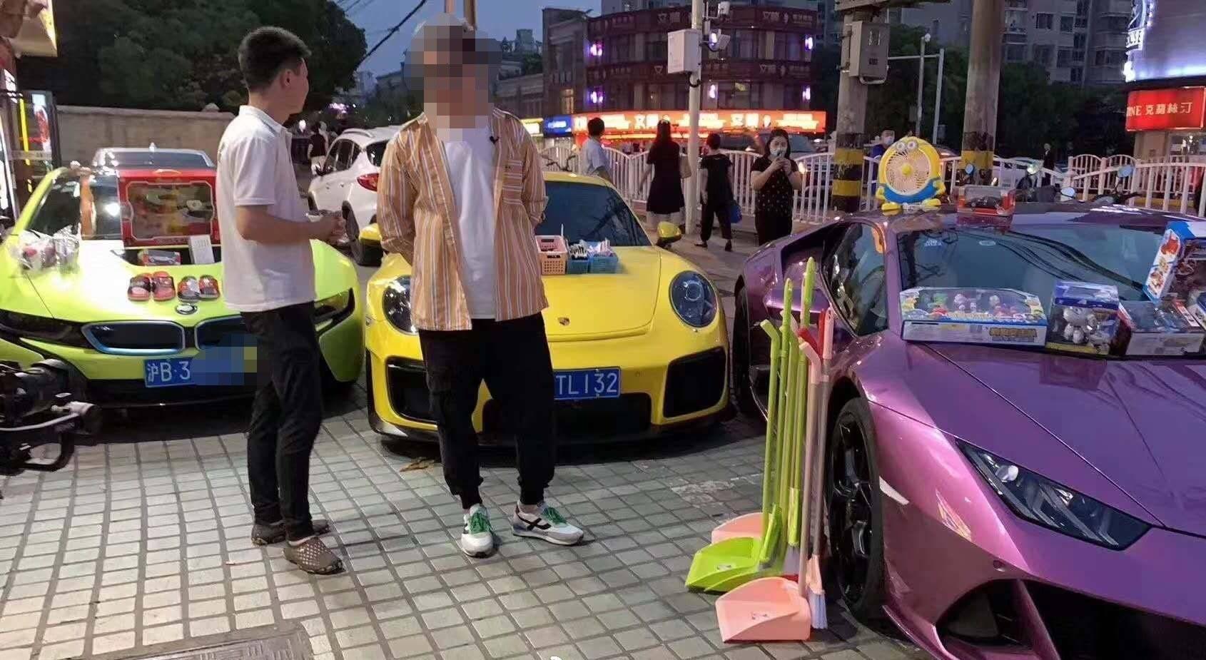 上海地摊经济火爆,从3万到百万的地摊神车哪台是你的菜?