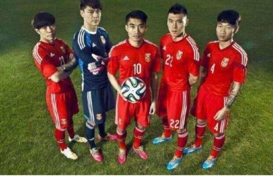 中国足球的发展,为什么如此慢的,