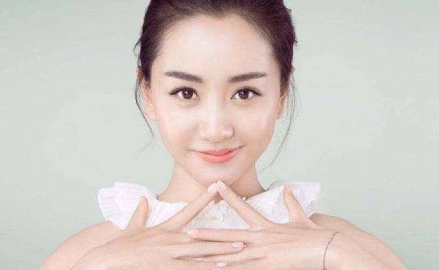 杨蓉是娱乐圈的一股清流,她的演技和颜值都在线,为啥就是不火