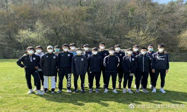 深度-中国足球讨薪球员的无奈:进退不由己 找工作先问能发钱吗
