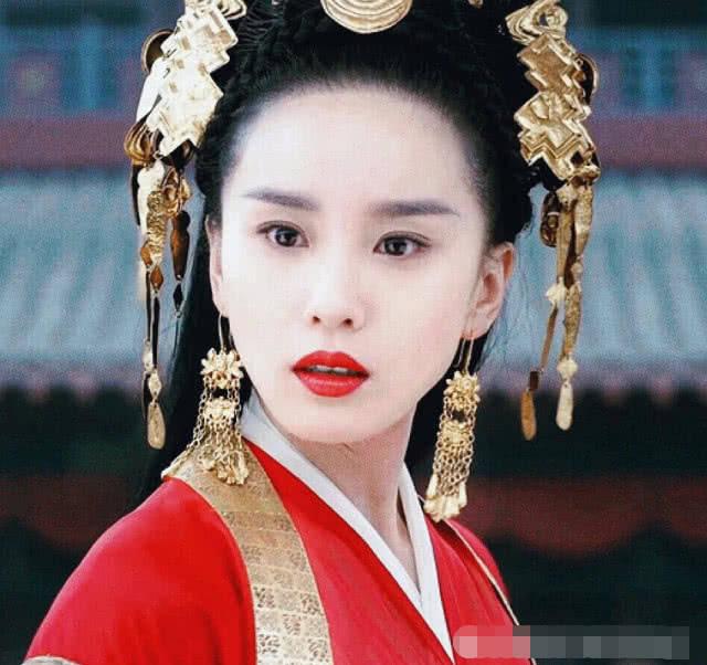 """有种""""整容""""叫刘诗诗的浓妆,第一眼怕认错了,第二眼无比惊艳!"""