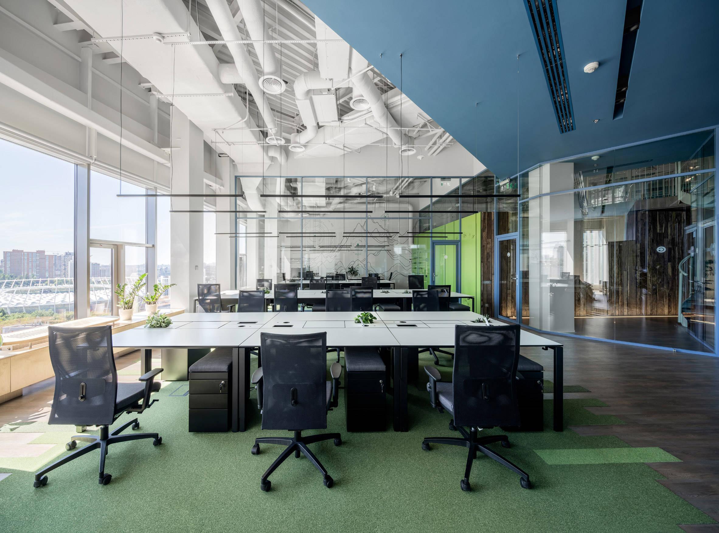 在办公室装修中办公众具也是重要一环