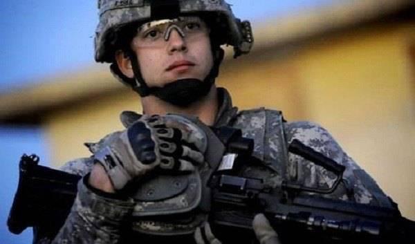 两名士兵美国梦破碎,被五角大楼开除,原因很可笑