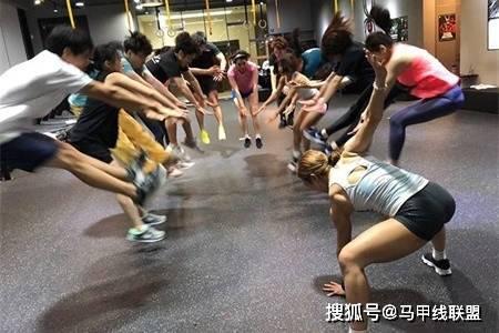 长相甜美身材却很强壮,通过不断努力,24岁成为健身教练 动作教学 第9张