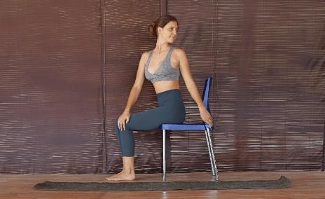 脊柱最怕久坐!一套椅子瑜伽轻松缓解脊背疲劳感,初学者必备_上身 知识百科 第5张