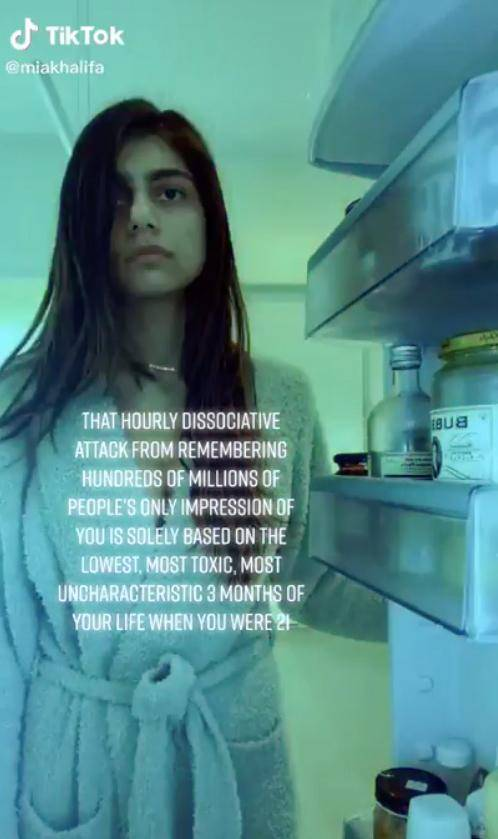 美国成人女星劝女孩洁身自好,切勿为钱制作色情视频:它像是毒瘾