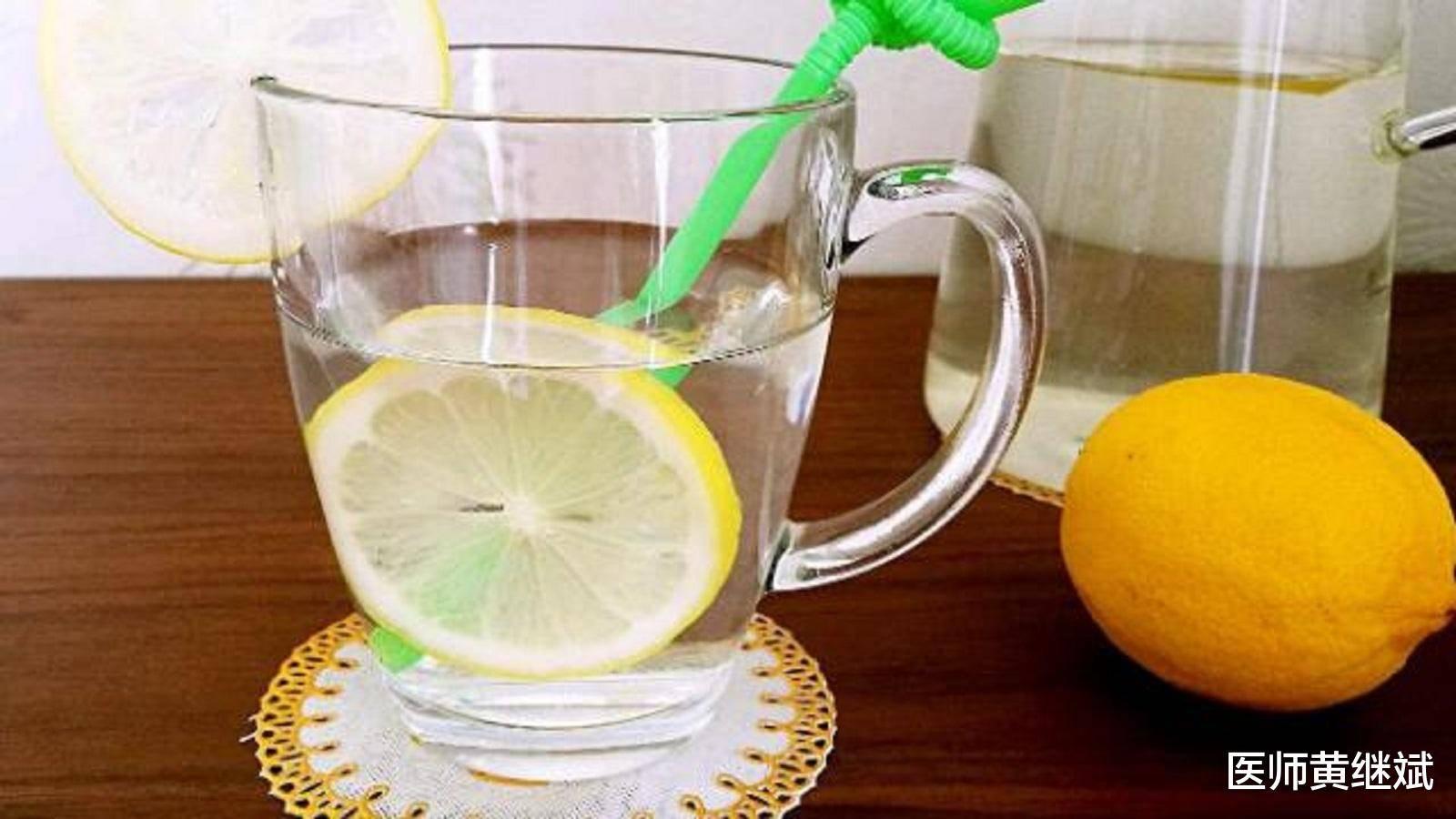 原创夏季喝什么美容消痘?除了蜂蜜柠檬水,还有两大选择