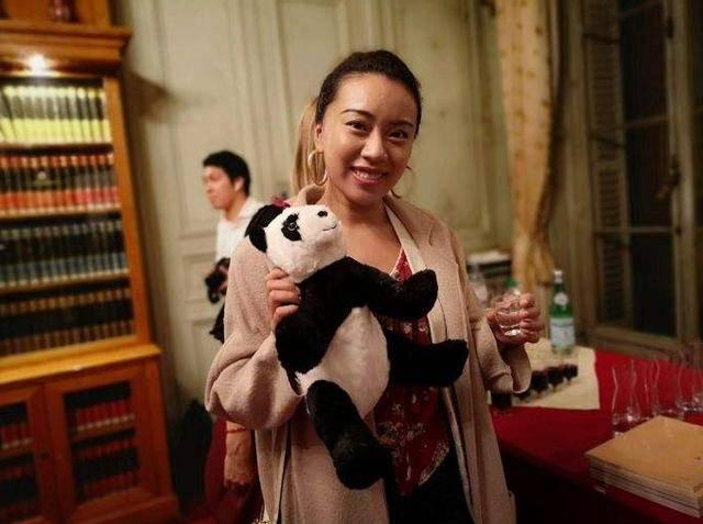 华裔美女在法国自述居家隔离的真实感受!触目惊心
