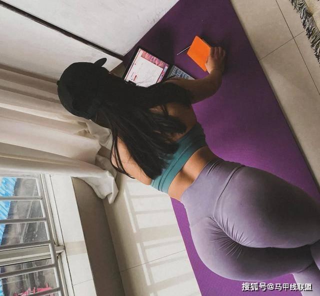 她健身4年,从肥胖臃肿的身材练出蜂腰翘臀,逆袭成女神!_陈辣辣