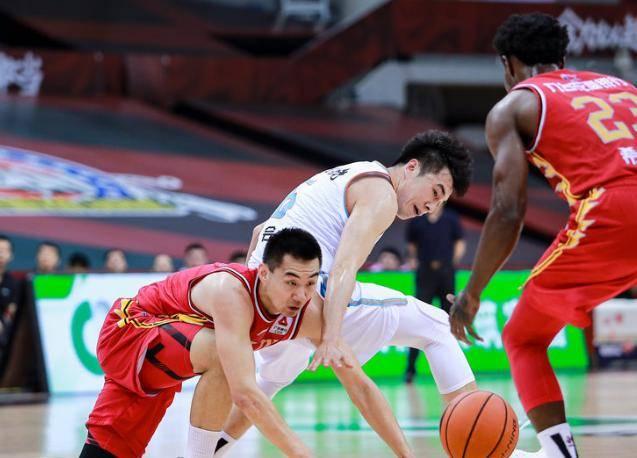 新疆这一软肋太丧命 季后赛若遇广东恐被打爆?