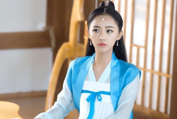 [于正本]于正本想让她当笑星,她却志在女主角吴佳怡两部新剧同时开播