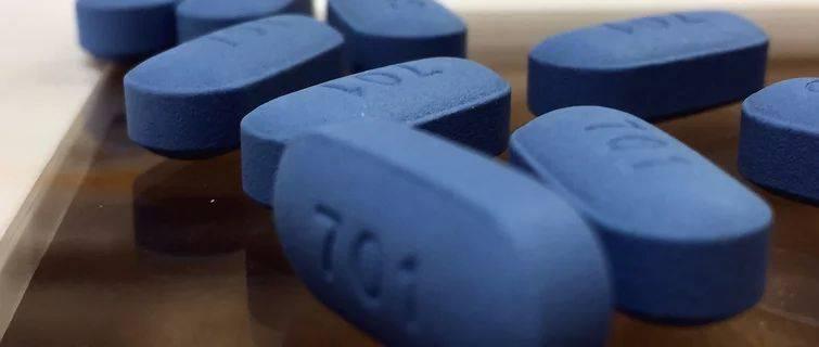 艾滋病不是靠症状来判断,也不是一张试纸检测能决定的