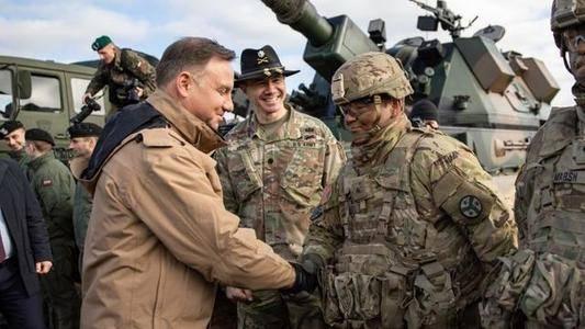 波兰总统:将为美军提供更多军事设施和经费