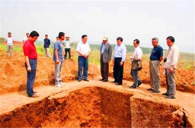 原创            江苏挖出一红色漆棺,埋700年依旧如新,X光照射结果让专家瞠目