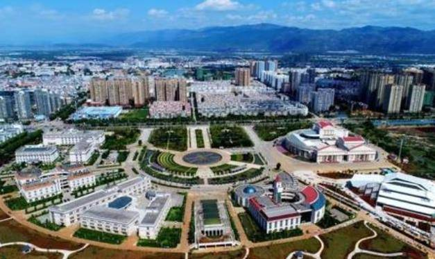 云南经济总量为多少亿元_云南有多少个市