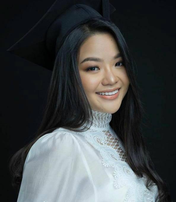 原创 柬埔寨公主跑去当模特,穿挂脖豹纹裙秀身材,颜值太低遭吐槽