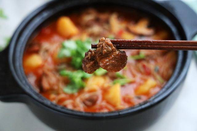伏天最爱的一锅炖,有肉有菜有汤汁,夏天就吃这一口真够味 ..._图1-3