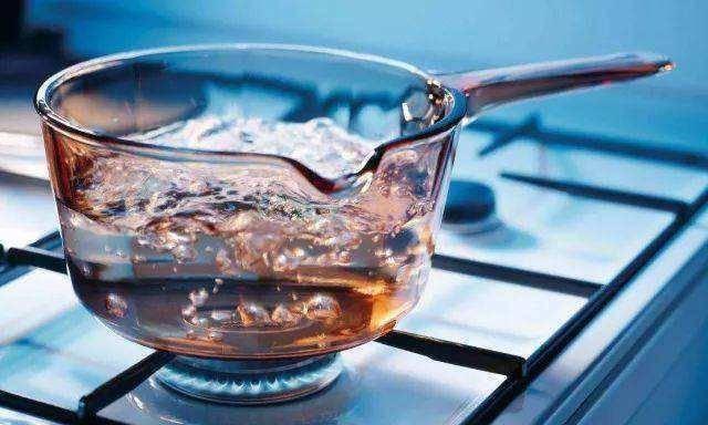 尿酸高到底喝温水好还是喝冷水好?怎么喝水最有效?看完知道了