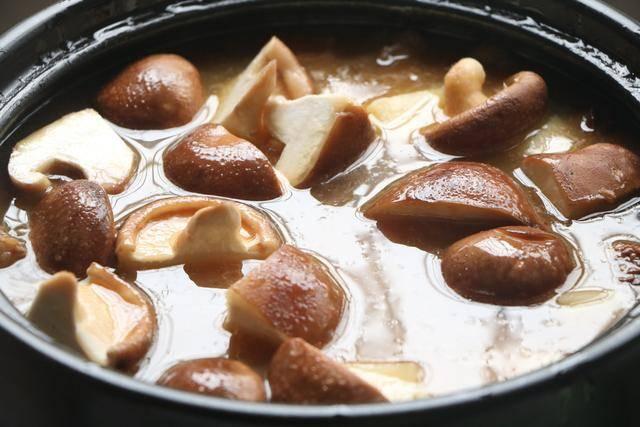 伏天最爱的一锅炖,有肉有菜有汤汁,夏天就吃这一口真够味 ..._图1-11