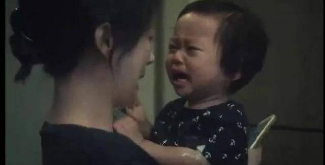 追了《三十而已》,被剧中唯一当妈的女主顾佳圈粉了