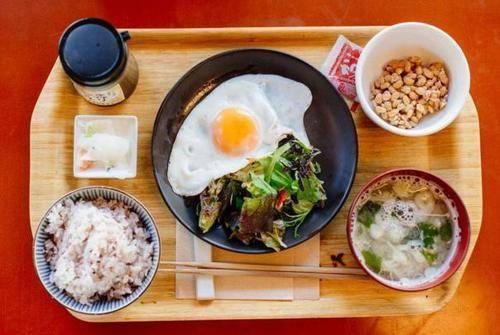 为什么最不爱运动的日本人,却最瘦最长寿?多源于3个饮食好习惯