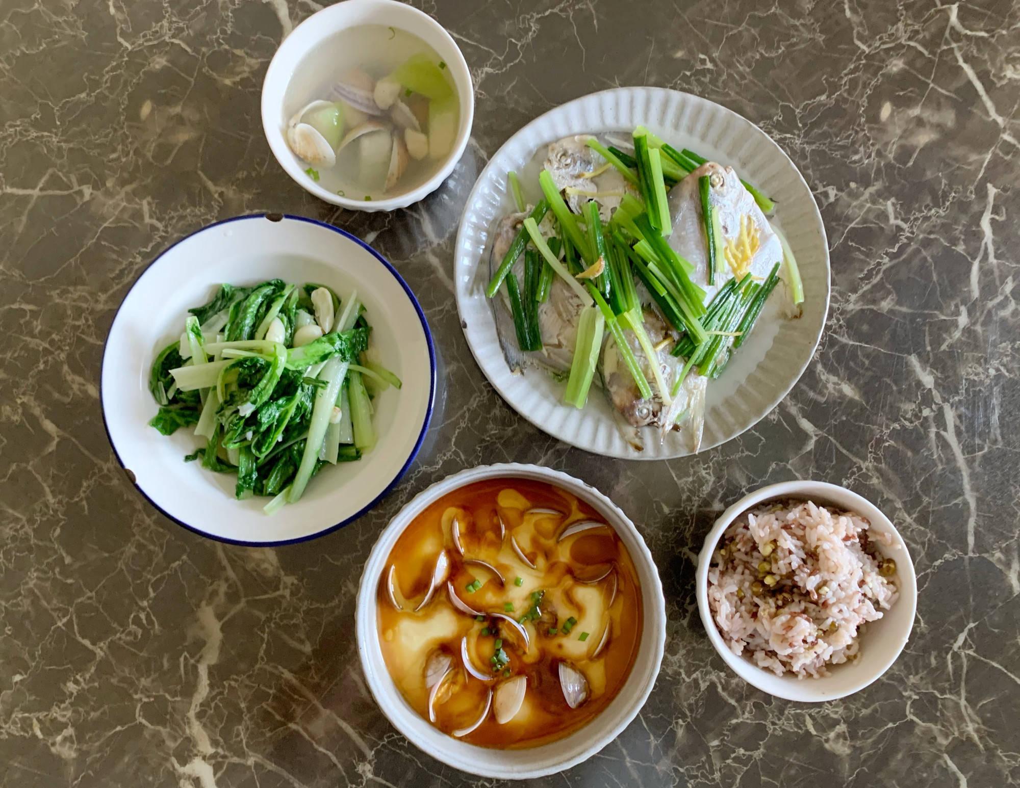 天气热午餐也不糊弄,3菜1汤30分钟搞定,网友:营养搭配效率高