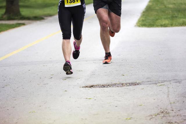 胖小哥为了减肥,每天跑步5公里,30天后能减掉多少斤?