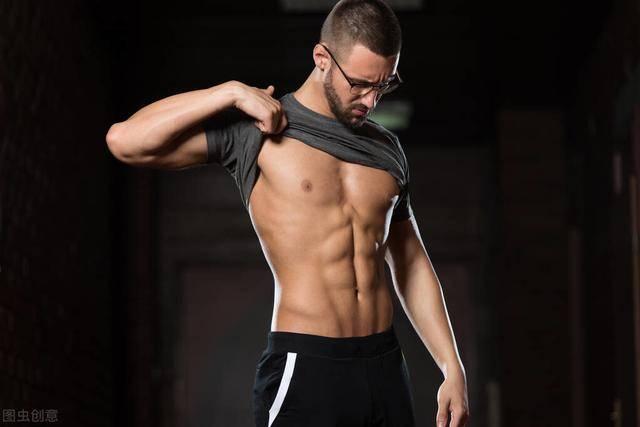 想要好看的腹肌,这2点你需要知道!3个方法帮你练出迷人腹肌