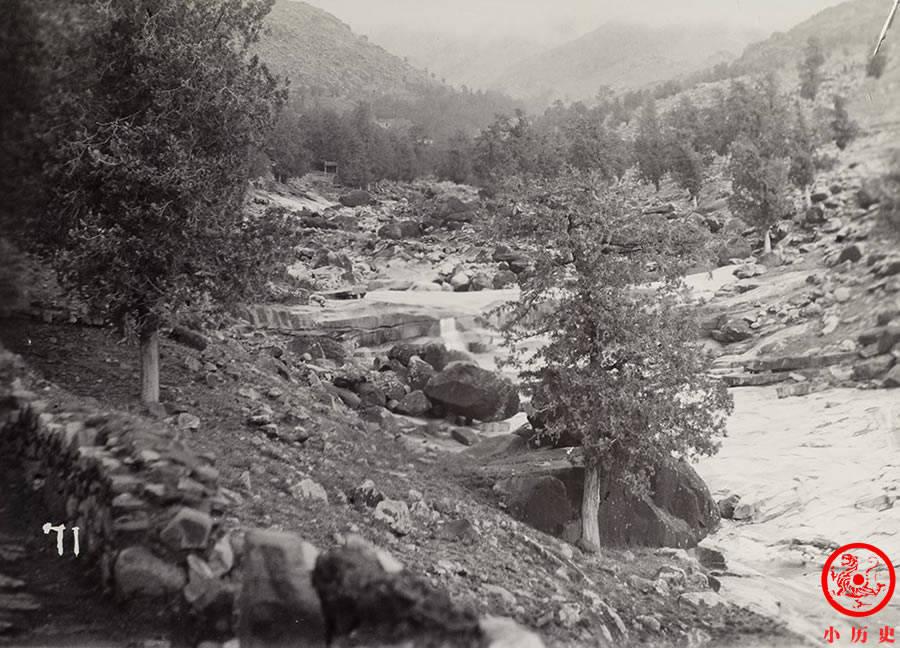 清末老照片:百年前人们游览泰山也爱拍照