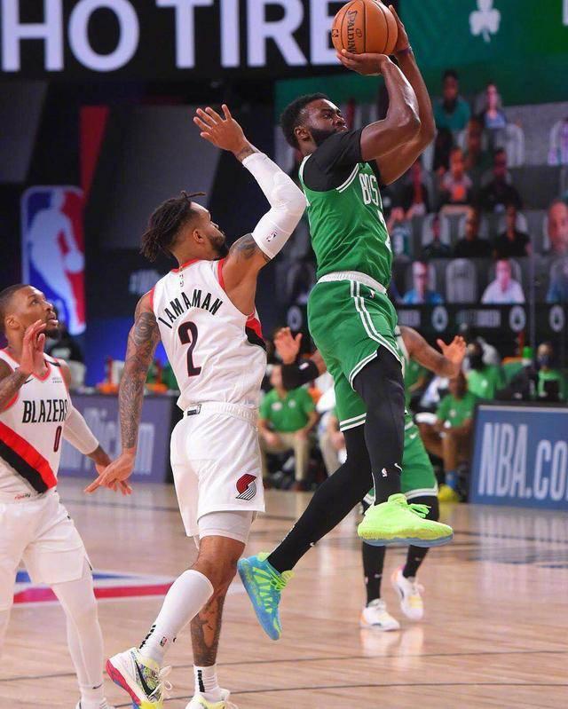 NBA常规赛凯尔特人对阵开拓者