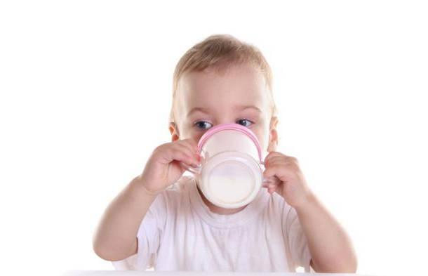 长牙期的宝宝营养很重要,父母这样安排辅食,宝宝牙齿长得好