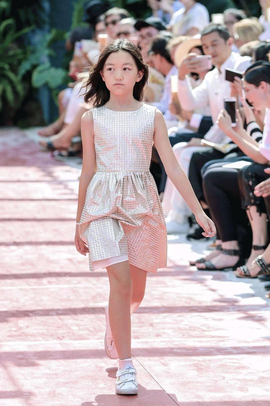 """非一般的""""菲""""时尚!王菲的时尚你懂吗?她的女儿们懂了"""