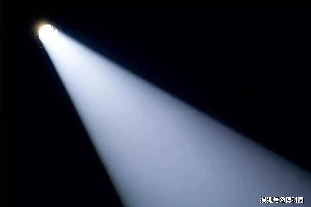 光子,正在取代电子,成为主要的信息载