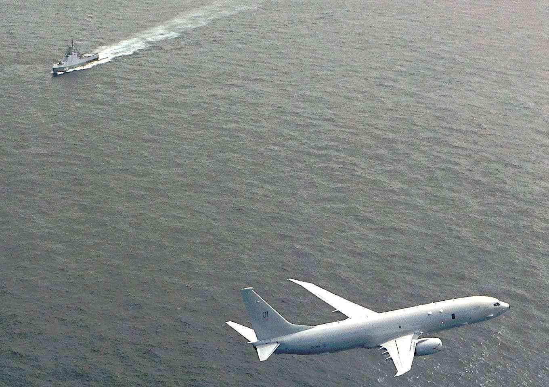 英国4亿美元天价巡逻机出动,紧盯俄国战舰,怕被击落要保镖护航_中欧新闻_欧洲中文网