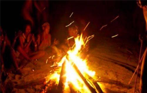古代的火折子,为何能像打火机一样一吹就着?古人的智慧让人叹服