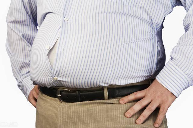 4个原因导致小腹突出!对症下药,减掉你的小肚子