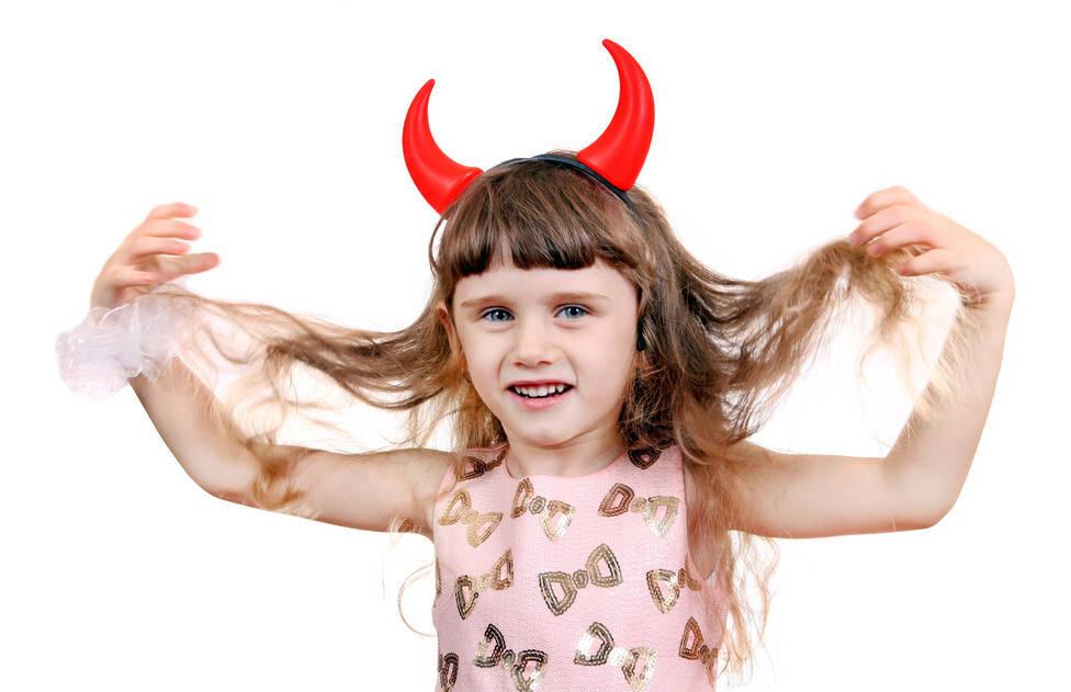 """《以家人之名》,少女例假讨要""""恭喜"""",新一代的孩子真的不一样"""
