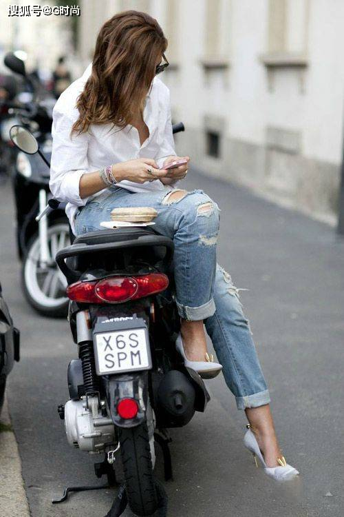 原创百搭的破洞牛仔裤也有穿搭法则,学会这七招让你时髦帅气兼备